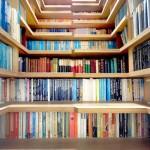 Свежие идеи для пространства под лестницей